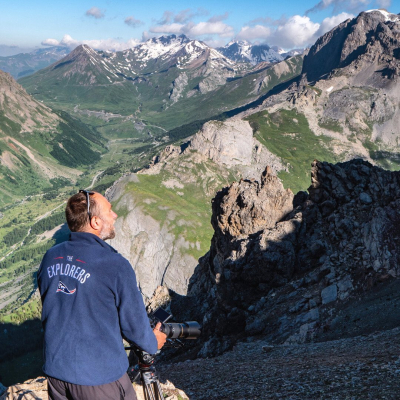 "Discover the Massif des Ecrins, a jewel of nature: 150 summits at over 3,000 m altitude, 24,000 acres of glaciers and the famous Barre (peaking at 4,102 m)! The Explorers set out to explore this vast high mountain range for the Earth Inventory. The massif offers a steep and wild landscape, softened by wide mountain pastures and valleys covered with European larches, also known as ""the tree of light"" and symbol of the Alps.Our expedition in the heart of this wild beauty is soon to be discovered in our app 😉"